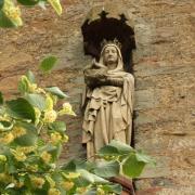 Statue an der Alten Kirche - Fotograf Helmut Joa
