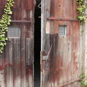 alter Schuppen hinter der ehemaligen Tankstelle - Fotograf Joachim Würth