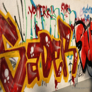 Graffiti am REWE-Markt - Fotograf Helmut Joa